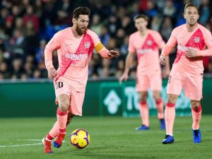 La Liga: Barcelona gana y aprovecha el empate entre Sevilla y 'Atleti'