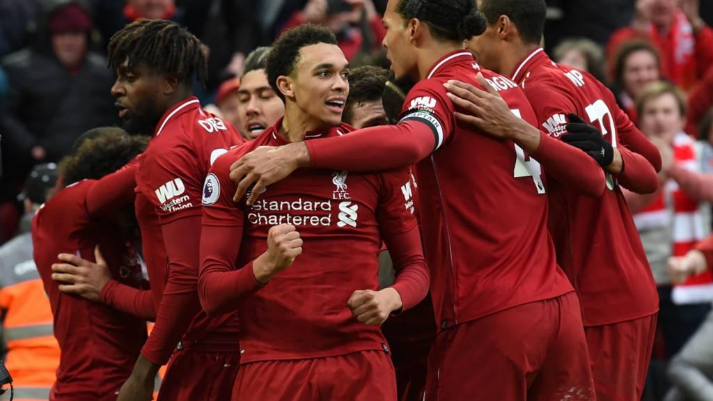 Premier League: Liverpool 'in extremis' consigue la punta del torneo