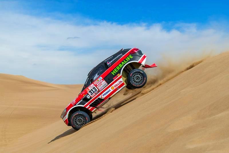 El Borgward Rally Team superó el primer gran desafío en el Rally Dakar